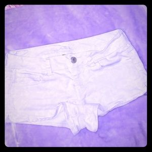 🌺 Women's AEO Cream Jean shorts Size 8 🌺